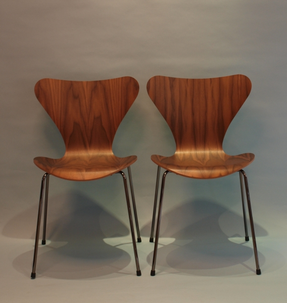 3107 arne jacobsen fritz hansen wallnuss. Black Bedroom Furniture Sets. Home Design Ideas